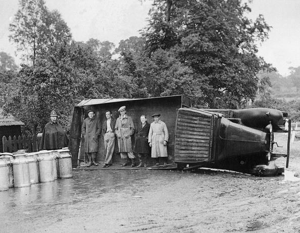 Truck「Sheltering In Lorry」:写真・画像(16)[壁紙.com]