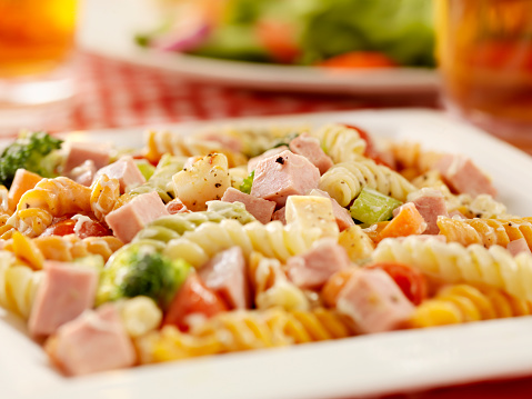 Mayonnaise「Pasta Salad with Ham and Fresh Vegetables」:スマホ壁紙(19)
