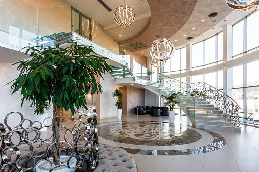 Hotel Reception「Modern hotel lobby」:スマホ壁紙(7)