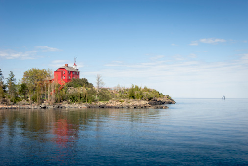 Sailboat「Marquette Harbor Lighthouse」:スマホ壁紙(5)