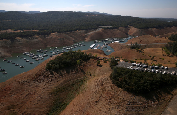 Sequential Series「Statewide Drought Takes Toll On California's Lake Oroville Water Level」:写真・画像(12)[壁紙.com]