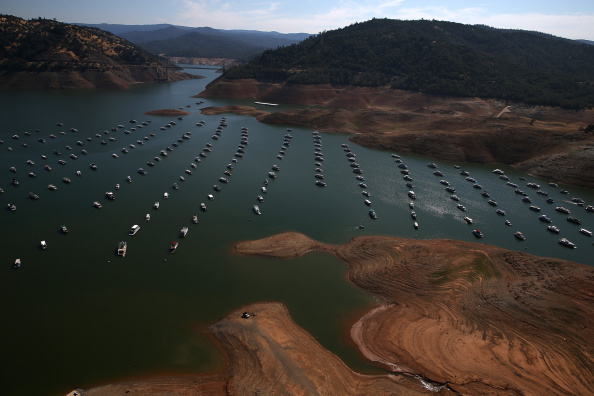 Sequential Series「Statewide Drought Takes Toll On California's Lake Oroville Water Level」:写真・画像(8)[壁紙.com]