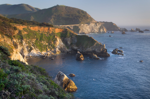 Bixby Creek Bridge「Rugged coastal headlands of Big Sur California」:スマホ壁紙(11)