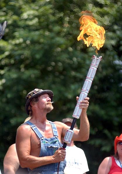 オリンピック「Contestants Get Dirty At Annual Redneck Games」:写真・画像(3)[壁紙.com]