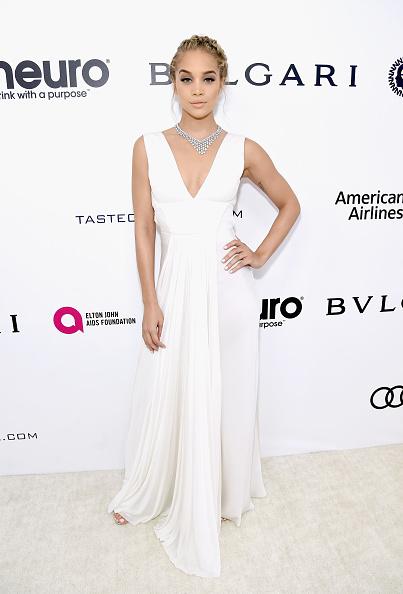 ノースリーブワンピース「25th Annual Elton John AIDS Foundation's Academy Awards Viewing Party - Red Carpet」:写真・画像(4)[壁紙.com]