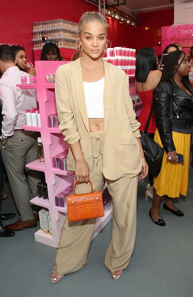 ジャケット「Celebrities And VIPs Join beautyblender To Celebrate The Launch Of beautyblender BOUNCE Liquid Whip Foundation」:写真・画像(10)[壁紙.com]