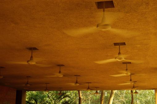 Ceiling Fan「Ceiling fans, low angle view」:スマホ壁紙(13)