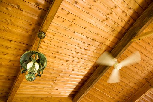 Ceiling Fan「Ceiling fan and a lamp in a log cabin」:スマホ壁紙(14)