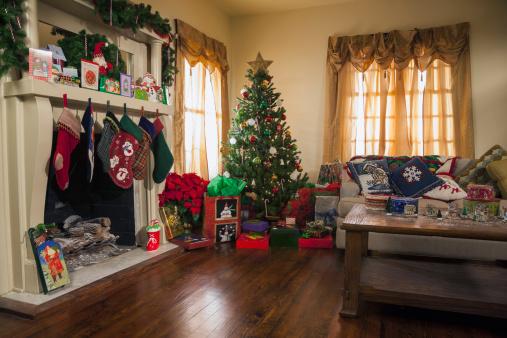 Gift「USA, Texas, Dallas, Living room decorated for Christmas」:スマホ壁紙(9)