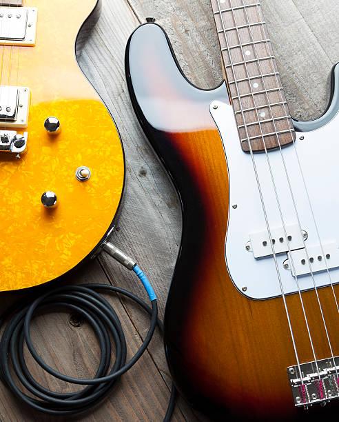 Two Guitars:スマホ壁紙(壁紙.com)