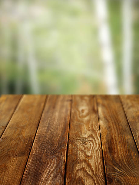 Close-up of old pine picnic table:スマホ壁紙(壁紙.com)
