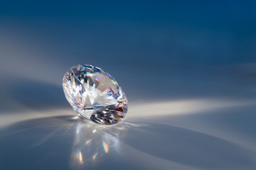 Reflection「Close-up of a sparkly clear faceted gem」:スマホ壁紙(10)