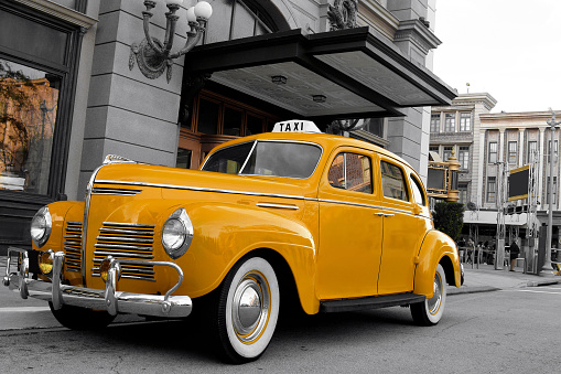 Taxi「Close-up of vintage New York cab」:スマホ壁紙(14)