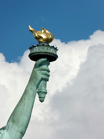 Female Likeness「Close-up of the Statue of Liberty torch」:スマホ壁紙(4)