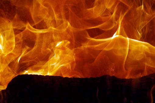 Hell「Close-up of burning firewood. Bac Son. Vietnam.」:スマホ壁紙(16)