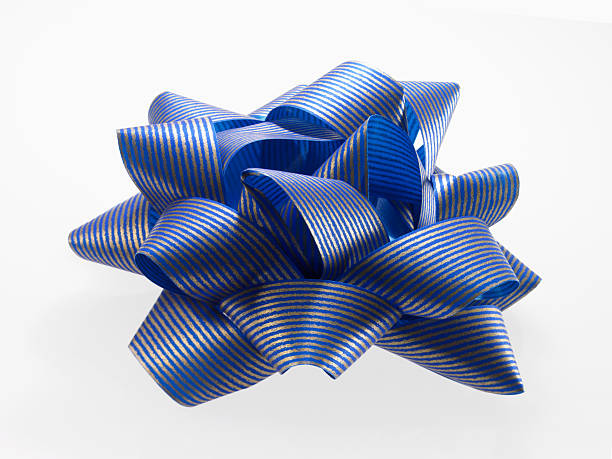 Close-up of blue and silver ribbon, studio shot:スマホ壁紙(壁紙.com)