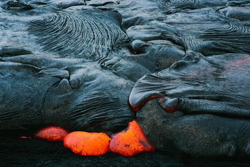 Lava「Close-up of a Lava Flow on a mountain, Hawaii, America, USA」:スマホ壁紙(16)