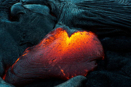 Active Volcano「Close-up of a Lava Flow on a mountain, Hawaii, America, USA」:スマホ壁紙(10)