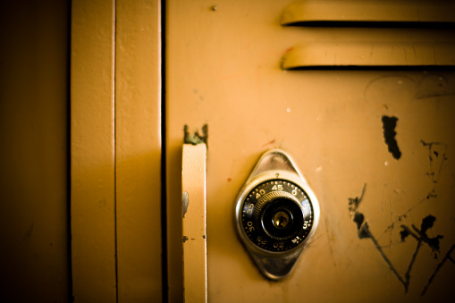 Extreme Close-Up「Closeup of School Locker」:スマホ壁紙(11)