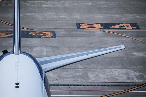保護「飛行機の後ろの接写。」:スマホ壁紙(7)