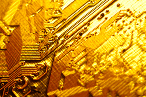 Soldered「Close-up of gold circuitry」:スマホ壁紙(6)