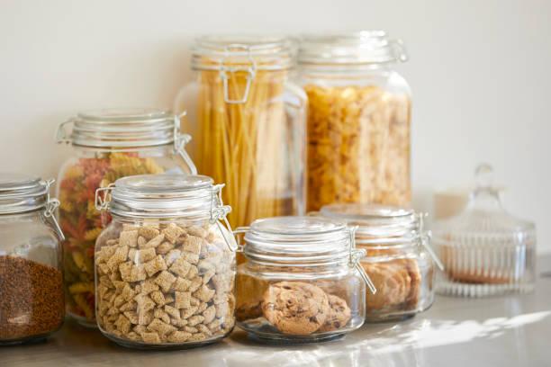 Close-up of various food in airtight jars:スマホ壁紙(壁紙.com)