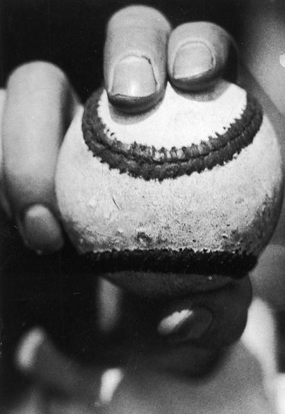 Single Object「Hand Holding Baseball」:写真・画像(15)[壁紙.com]