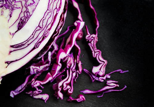 Red Cabbage「Close-up of red cabbage slices」:スマホ壁紙(6)