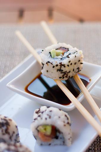Soy Sauce「Close-up of sushi california rolls」:スマホ壁紙(8)