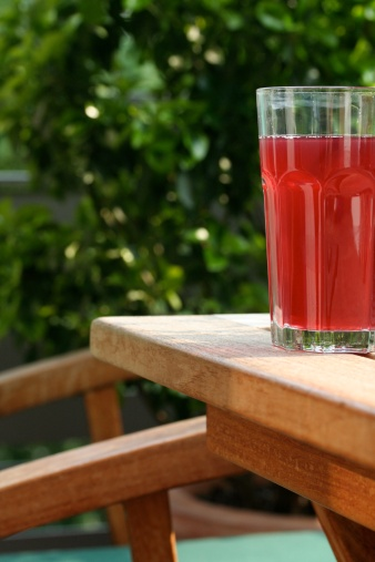 Resort「Close-up of glass of juice on table」:スマホ壁紙(6)