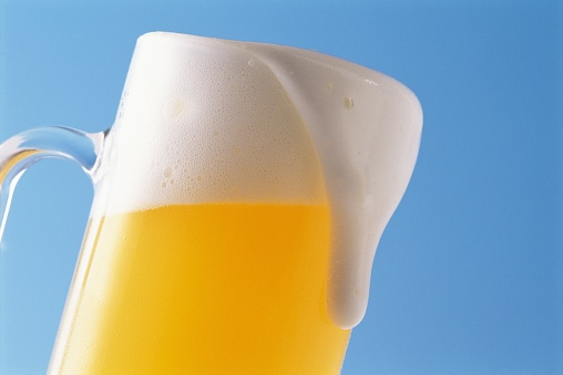 アーカイブ画像「Close-Up of a Glass of Beer Overflowing With Froth」:スマホ壁紙(5)