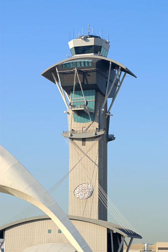 LAX Airport「Close-up of the air traffic control tower at LAX airport in Los Angeles, California.」:スマホ壁紙(17)