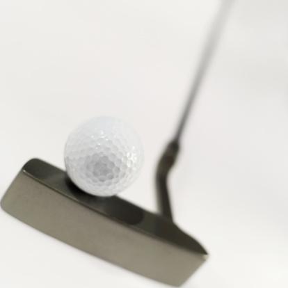Putting - Golf「close-up of a golf ball on a golf club」:スマホ壁紙(13)