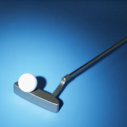 Putting - Golf「close-up of a golf ball on a golf club」:スマホ壁紙(6)