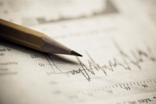 Manuscript「Close-up of a pencil on a line graph」:スマホ壁紙(14)