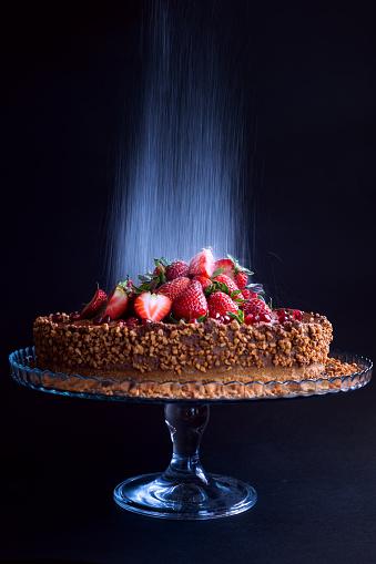 Sweet Food「Close-up of chocolate cake on cake stand」:スマホ壁紙(1)