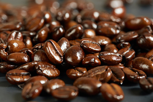 Coffee「Close-up of roasted coffee beans」:スマホ壁紙(3)