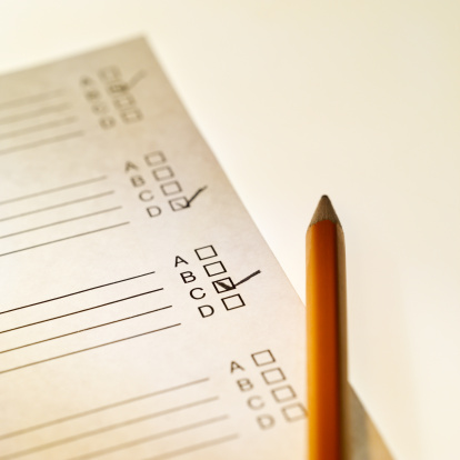 Educational Exam「Close-up of school report and pen」:スマホ壁紙(11)
