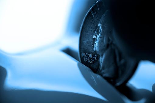 硬貨「クローズアップして七分丈のドロップポケットにピギー銀行」:スマホ壁紙(8)