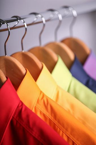Formalwear「Close-up of rainbow shirts hanging」:スマホ壁紙(2)
