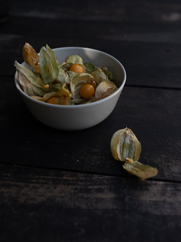 Chinese Lantern「Close-up of cape gooseberries with husk」:スマホ壁紙(18)