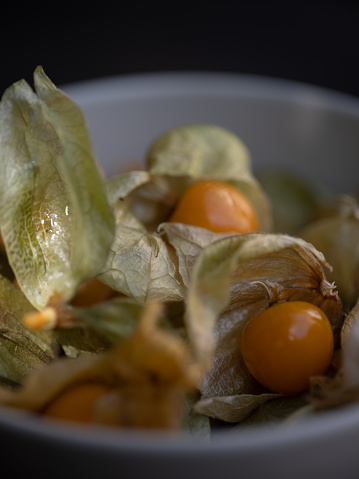 Chinese Lantern「Close-up of cape gooseberries with husk」:スマホ壁紙(16)