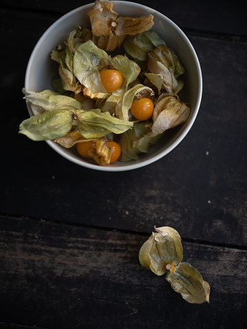 Chinese Lantern「Close-up of cape gooseberries with husk」:スマホ壁紙(17)