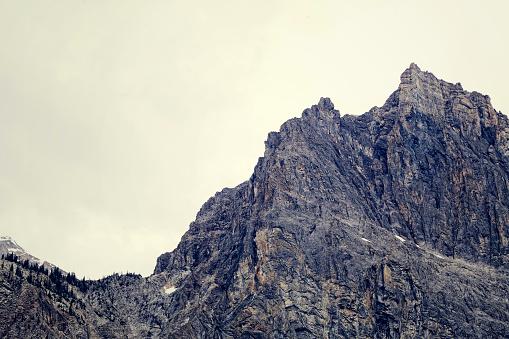 Extreme Terrain「close-up of mountain ridge」:スマホ壁紙(11)