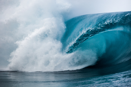 Power in Nature「Close-up of wave breaking over reef, Tahiti, French Polynesia」:スマホ壁紙(14)