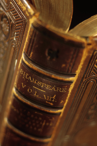 Writing - Activity「Close-up of book of Shakespeare plays」:スマホ壁紙(19)