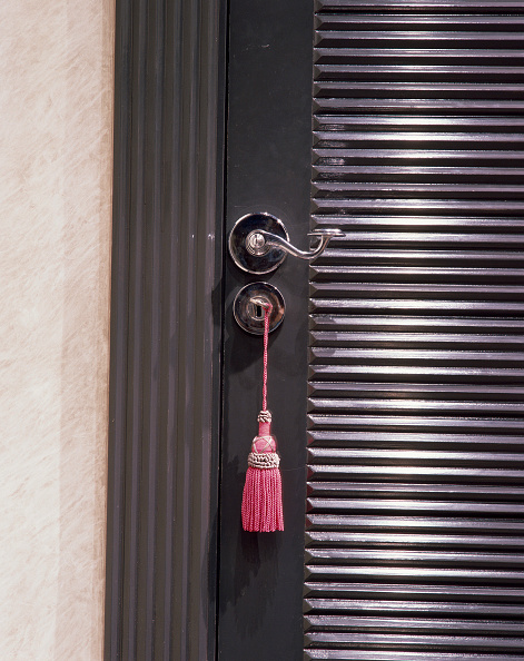 Handle「Close-up of the tassel on the handle of a door」:写真・画像(14)[壁紙.com]