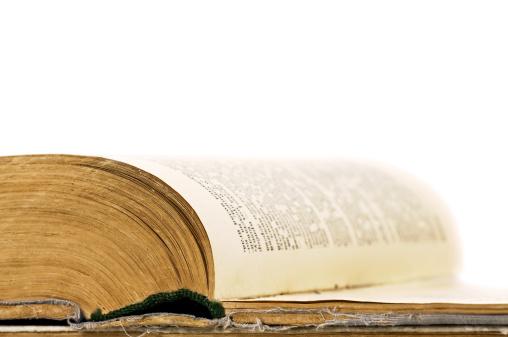 Manuscript「Close-up of open book」:スマホ壁紙(14)