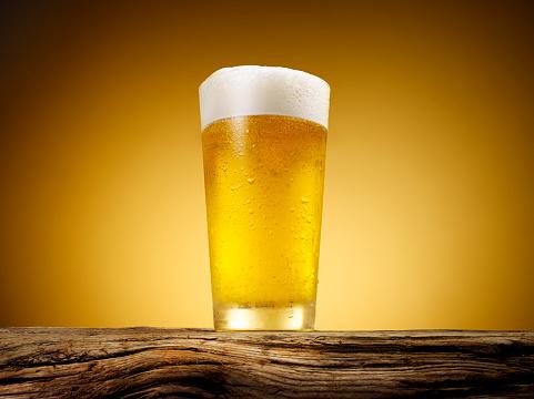 Beer「Close-up of beer glass.」:スマホ壁紙(7)