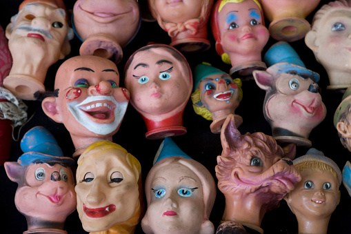 Doll「Close-up of heads of dolls」:スマホ壁紙(1)